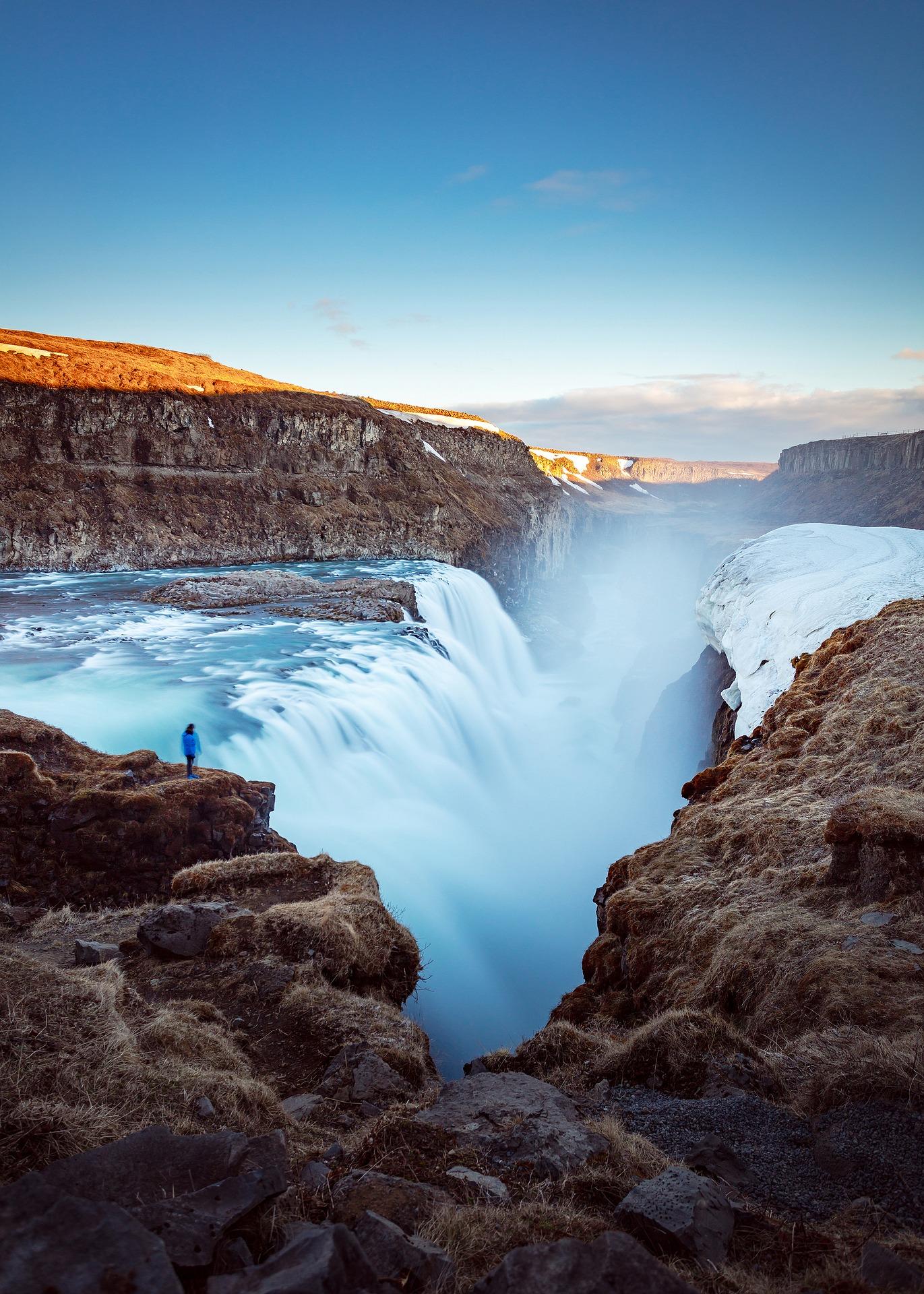 waterfalls-2584264_1920